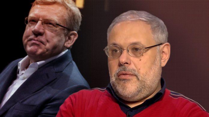 Михаил Хазин: Зарвавшаяся от наглости и жадности челядь реально испугалась