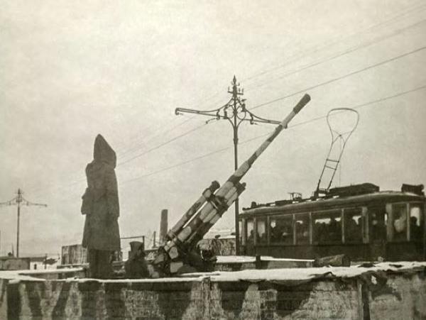 """Струнников: """"Ленинград и ленинградцы. Зима 42/43 гг"""""""