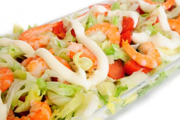 Новогодний салат из креветок