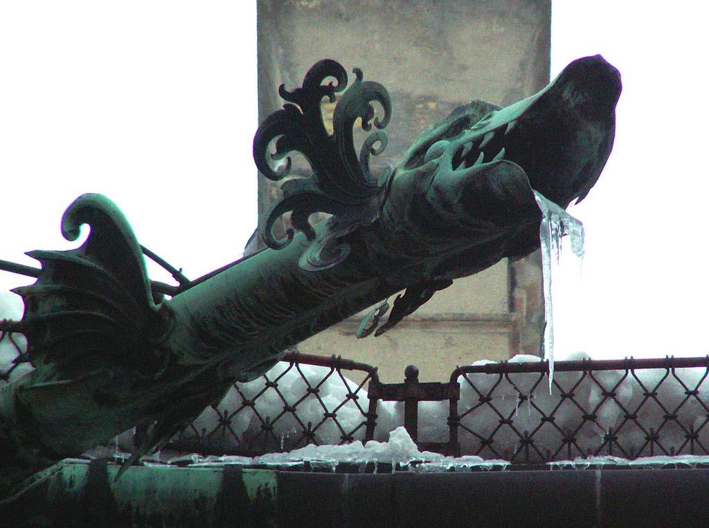 Gargoyles 8 Гаргульи в фотографиях