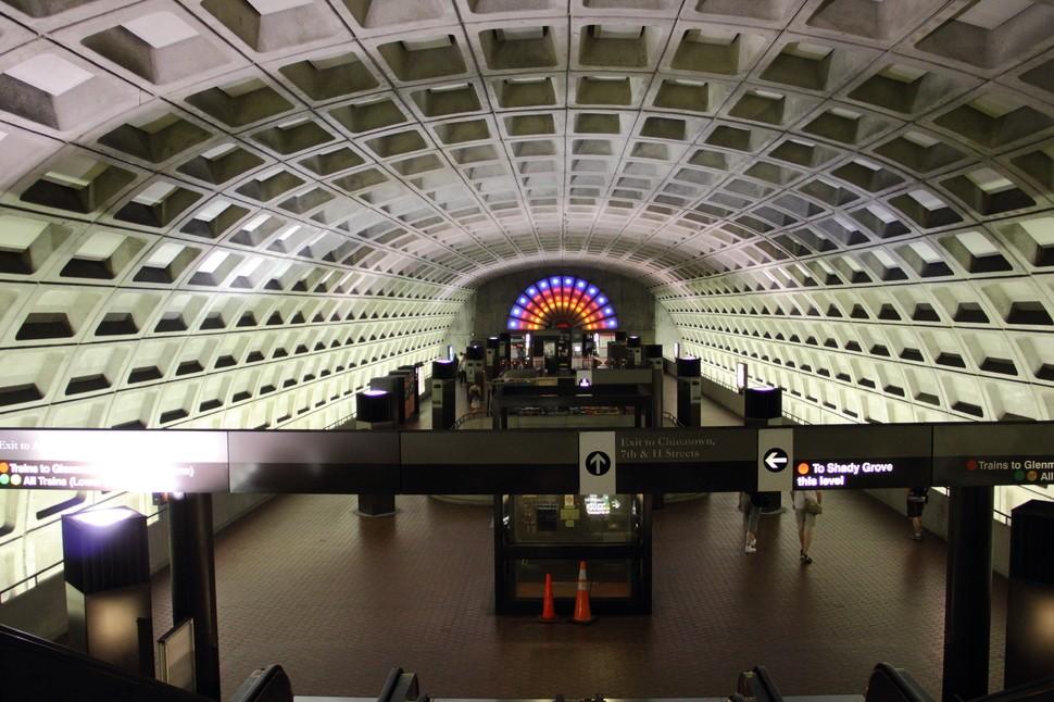 MetroStations10 17 самых волшебных станций метро со всего мира
