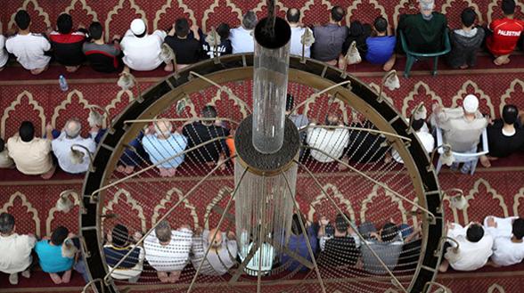 СМИ: канцлеру Австрии угрожают расправой из-за закрытия мечетей и депортации имамов