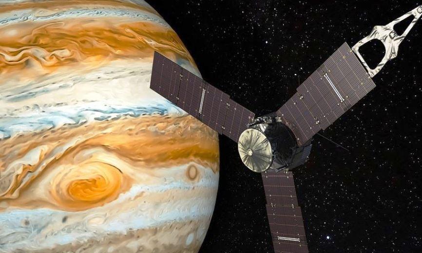 Торнадо размером с Землю: Juno передал сенсационные данные о Юпитере