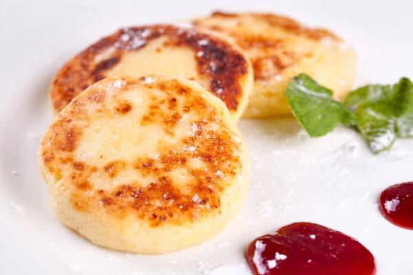 Сырники на завтрак: Три вкусных идеи