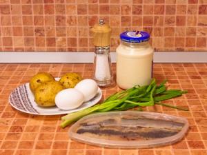 Салат с селедкой, картофелем и яйцами. Ингредиенты