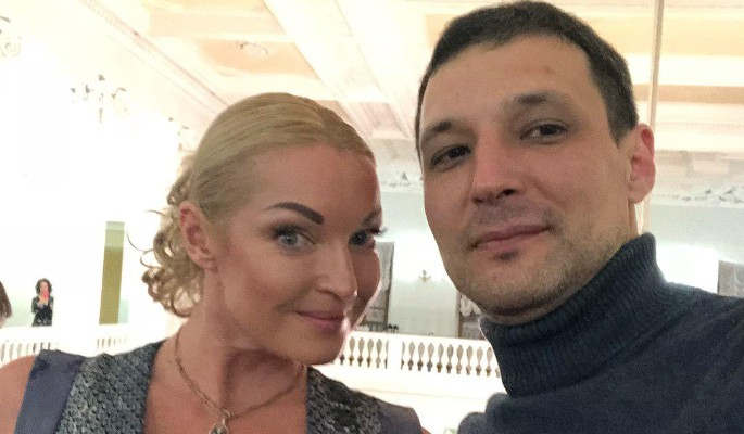 Картинки по запросу Анастасия Волочкова рассталась со своим возлюбленным Михаилом.