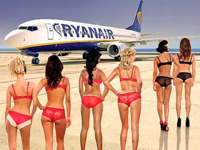 Самые сексуальные стюардессы: эротика на борту самолета