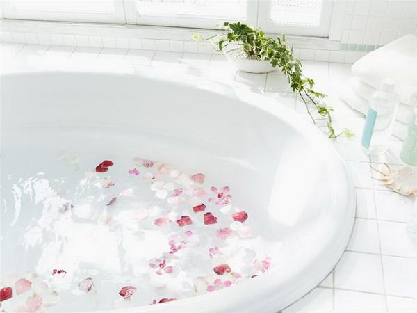 Атмосфера ванной комнаты (36 фото)
