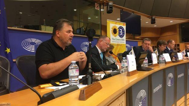В Европарламенте разорвались две информационные бомбы