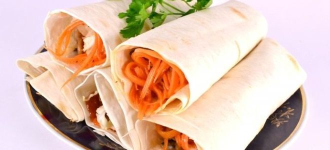 Лаваш с фаршем и корейской морковью