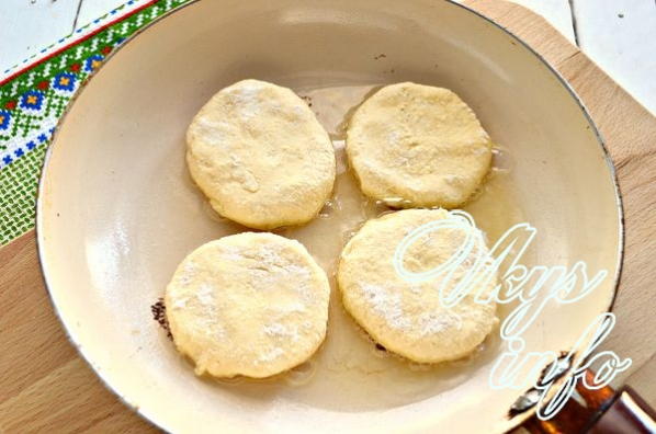 Пышные сырники из творога рецепт с фото