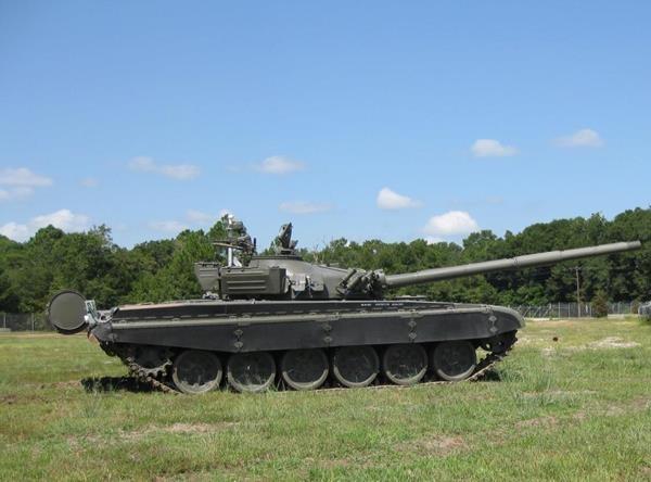 В США переоборудовали танк Т-72 в управляемую мишень