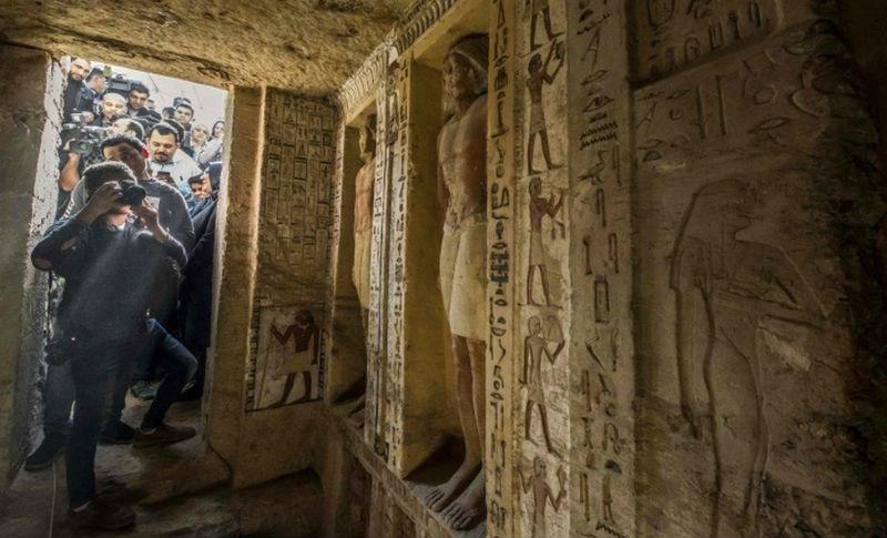 Гробницу жреца в Египте обнаружили и показали