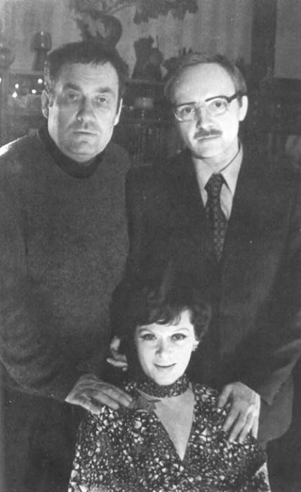 Актеры Эльдар Рязанов, Андрей Мягков и Алиса Фрейндлих на съемках лирической комедии «Служебный роман».