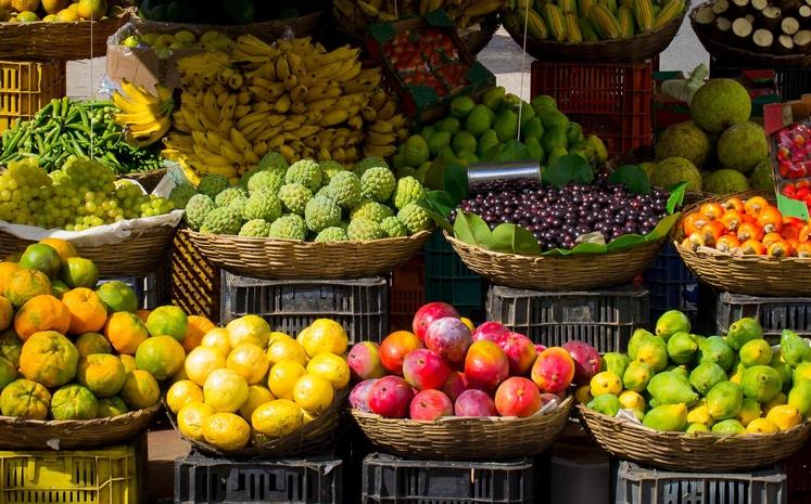 Почему нельзя покупать овощи и фрукты на трассе: не поддавайтесь искушению
