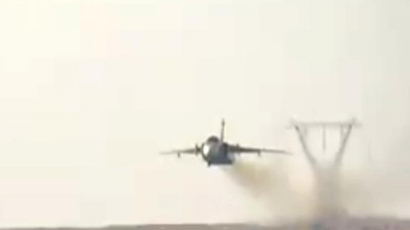 В сети появилось видео полета Су-24М2 на предельно низкой высоте