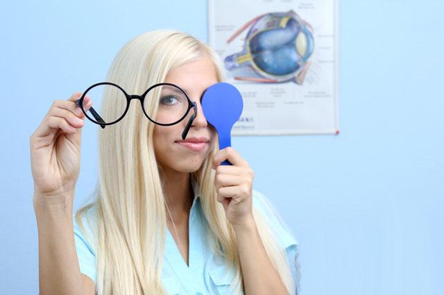 Смотрите шире! Кому грозит возрастная глаукома?