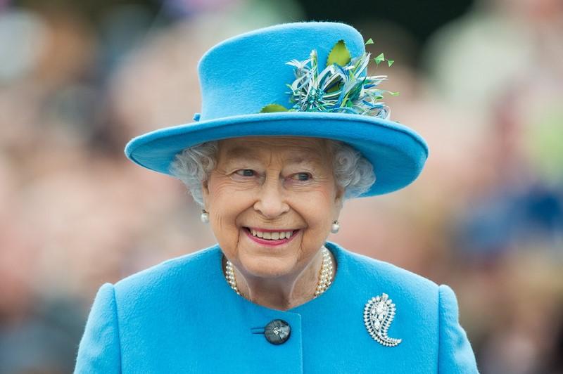 На чём экономит британская королева