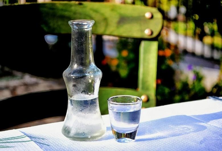 Последнее экологически удачное изобретение: водка из воды и воздуха