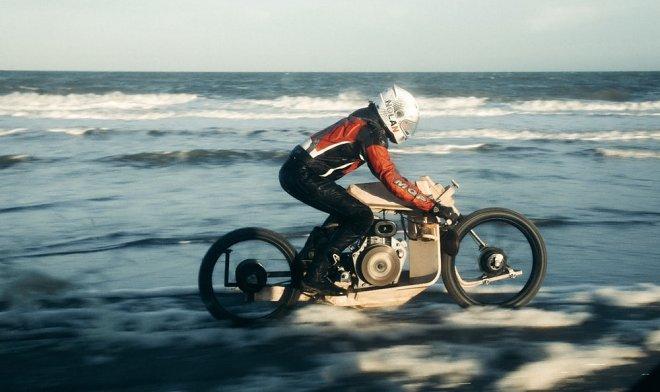 В Дании создан деревянный мотоцикл, работающий на биотопливе из водорослей