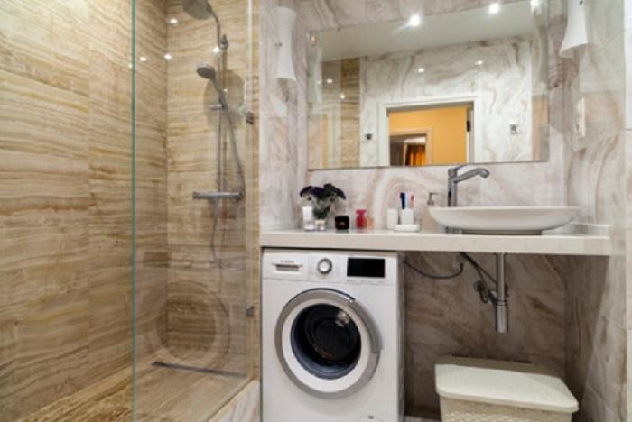 В заросшую плесенью квартиру вошли дизайнеры. Вот что у них получилось спустя месяц