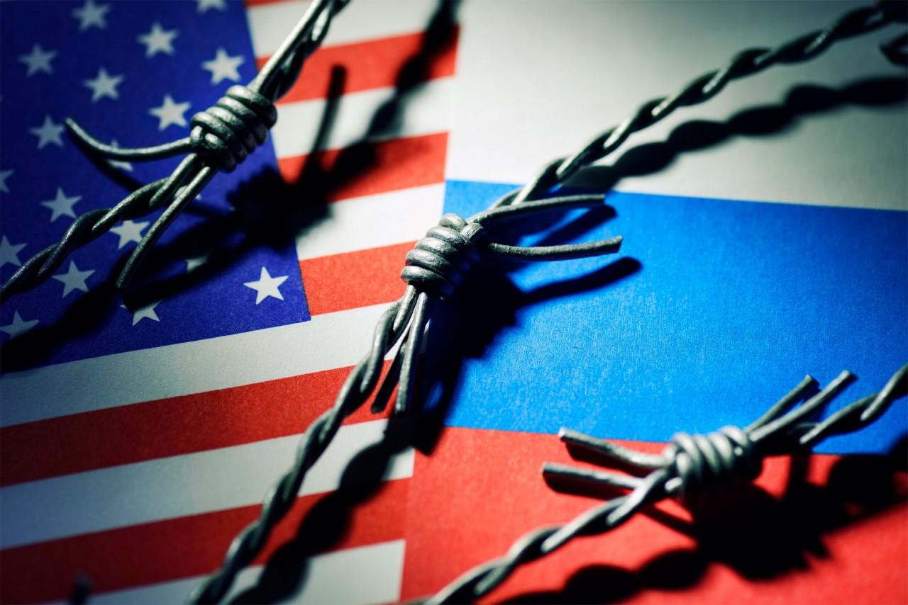 ИЗОЛИРОВАНИЕ РОССИИ ОБЕРНУЛОСЬ ПРОТИВ США: АНТИРОССИЙСКИЕ САНКЦИИ ПРИЗНАНЫ ПРОВАЛЬНЫМИ