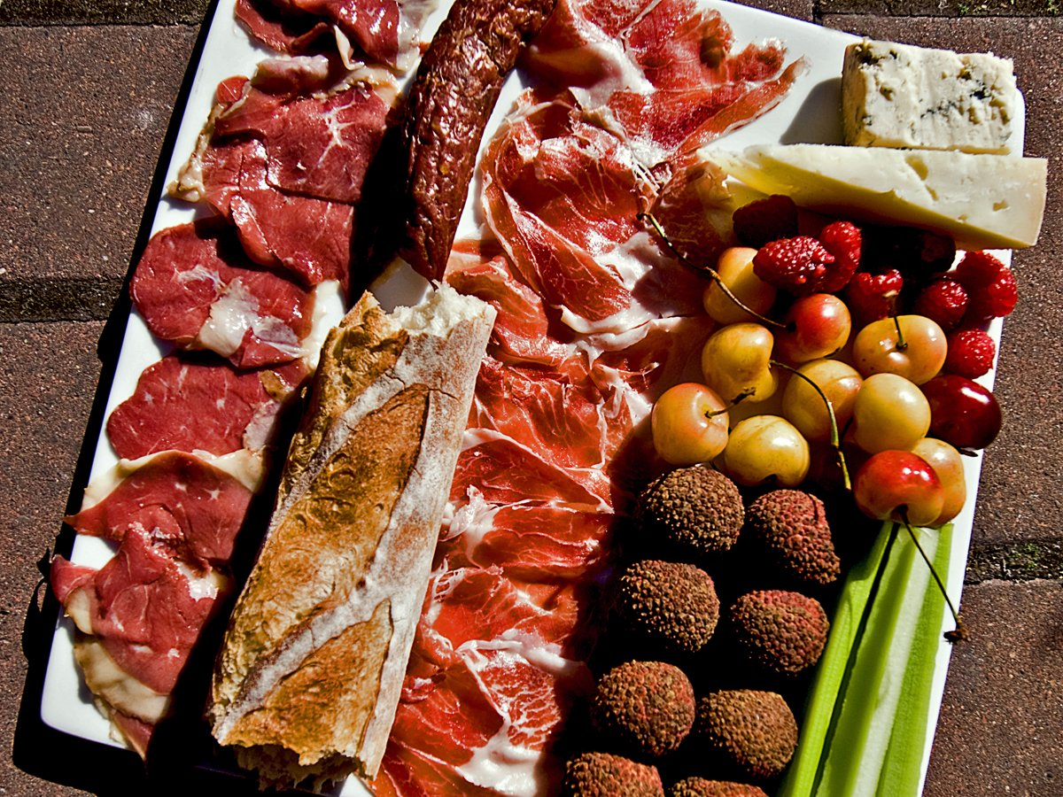 jamón-ibérico-and-charcuterie-platter