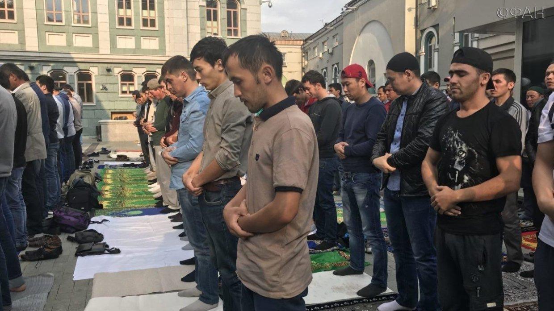 Да будет мир на Земле: мусульманский праздник Курбан-байрам в Москве. ФАН-ТВ