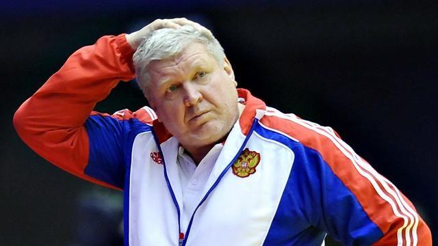 Случай с главным тренером РФ Е.Трефиловым на пустынной трассе  в середине суровых и бандитских 90-х годов