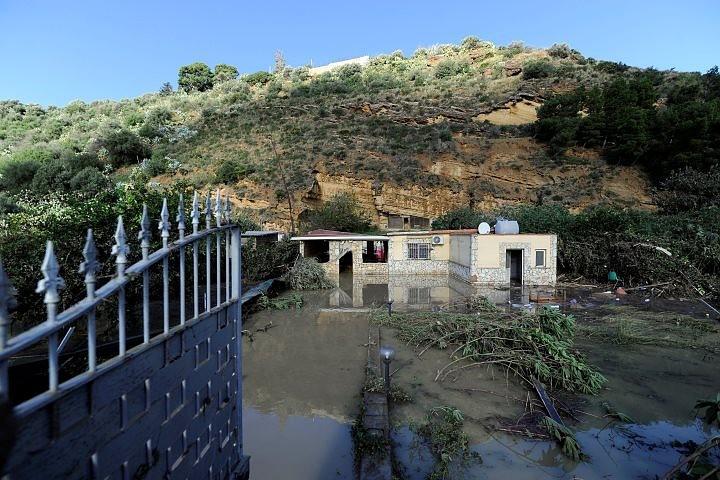 Число жертв наводнений в Италии выросло до 30 человек