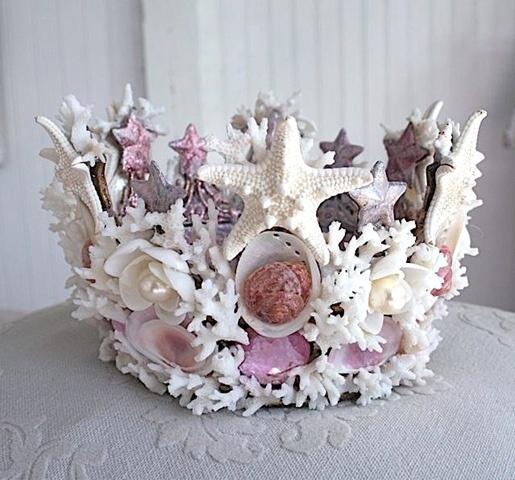 Корона из ракушек