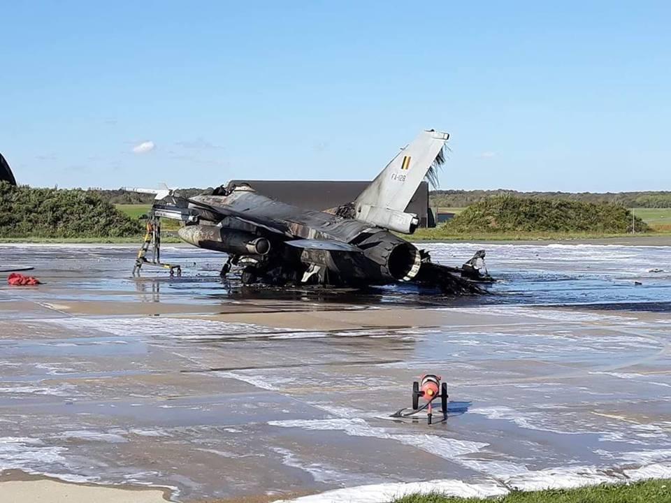 На авиабазе Флорен сгорел F-16