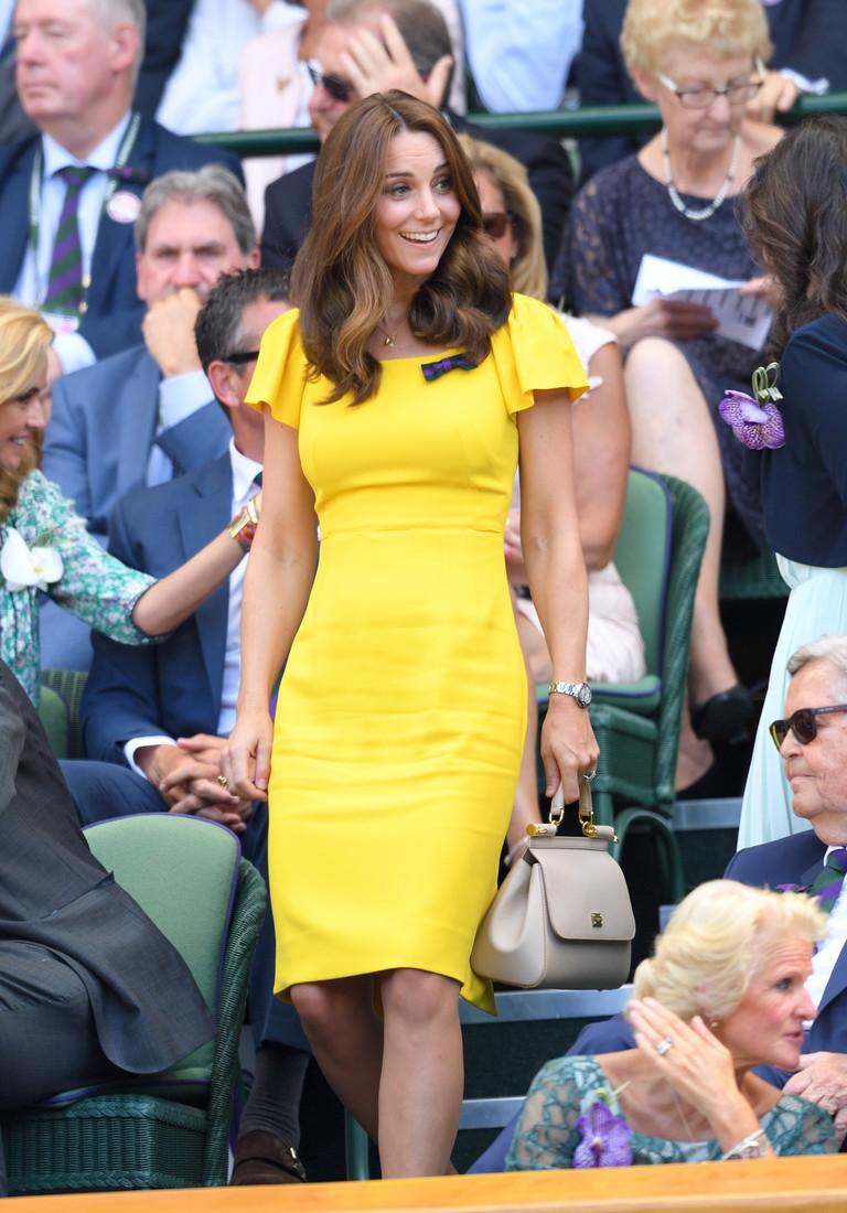 Одежду какого цвета Кейт Миддлтон не наденет, хотя эта гамма ей очень к лицу