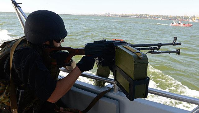 В Киеве хотят попросить НАТО конвоировать суда в Азовском море