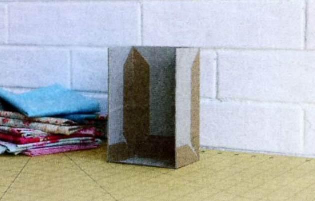 Шкафчик из картона