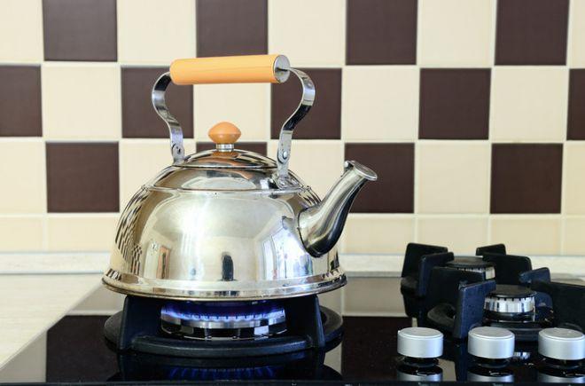 Как очистить металлический чайник от накипи