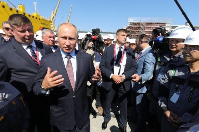 Путин принял участие в церем…