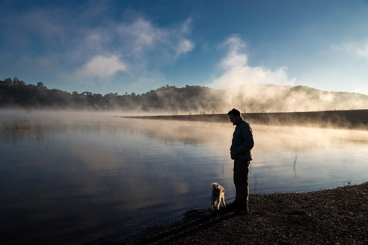 Ðа изображении может находитьÑÑ: один или неÑколько человек, люди ÑтоÑÑ', небо, облако, на улице, природа и вода