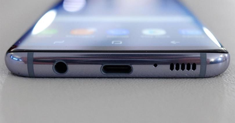 Samsung тоже откажется от Mini-Jack