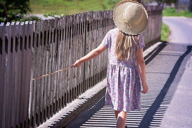 Во Владивостоке во время прогулки в детском саду исчезла девочка
