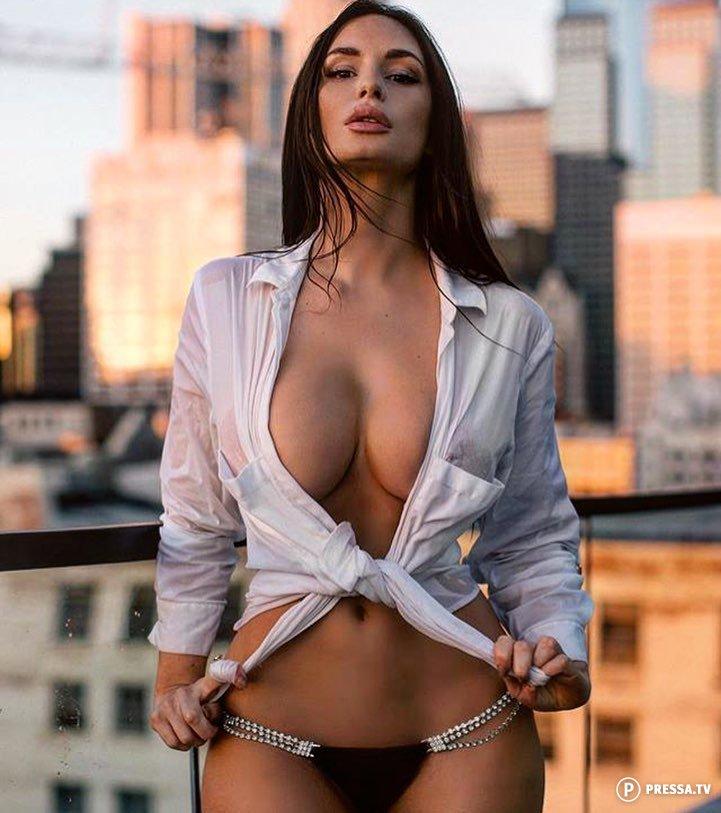 девушки дышат полной грудью