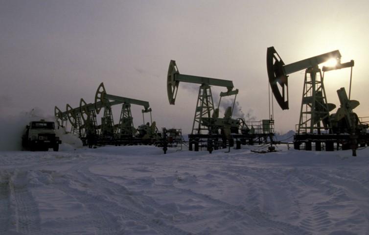 Экспортная пошлина на нефть в России снизится с 1 февраля