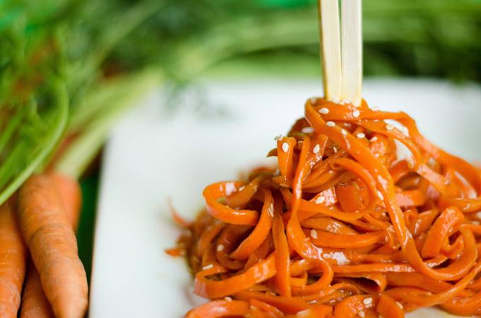 Морковная «лапша» - оригинальный гарнир к мясу или рыбе