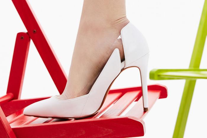 Белая обувь – тренд весны 2017: 6 самых актуальных фасонов