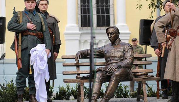 Министр культуры Украины заявил опланах открыть еще один памятник националисту Петлюре