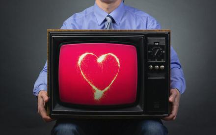 Как телевизор крадет наше время?