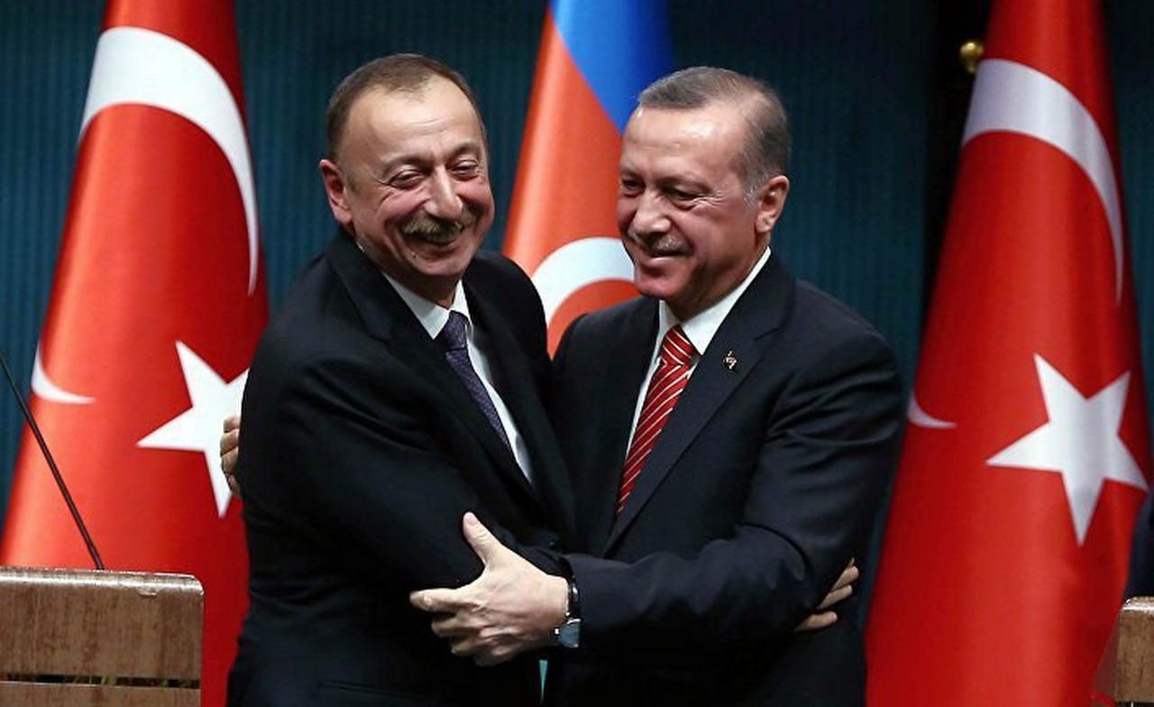 Фсё пропало!!! Азербайджан и Турция «вонзают нож» в спину России?