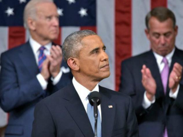 Трамп заснул под речь Обамы, критиковавшего его политику