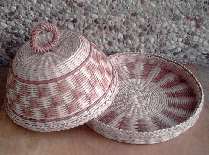 Плетение из газет. Овальные и круглые ХЛЕБНИЦЫ с крышками. Мастер-классы (22) (700x520, 520Kb)