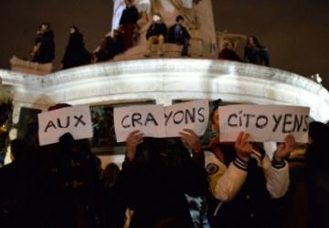 Террористическая атака - возмездие за призывы Парижа к снятию санкций против России?
